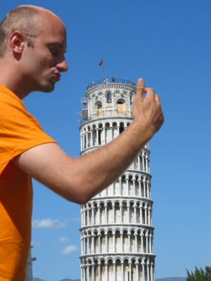 Holding-Up-Leaning-Tower-Pisa-1.jpg