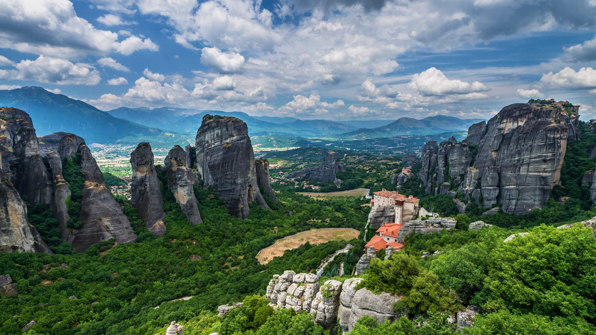 Meteora_Greece_FF_768_HD_EN-US473445763.jpg